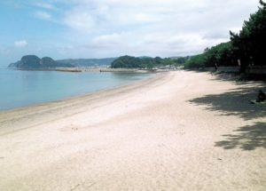 白浜海水浴場から女島方向